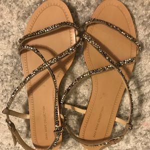 Cute Zara sandal, it's very good condition.